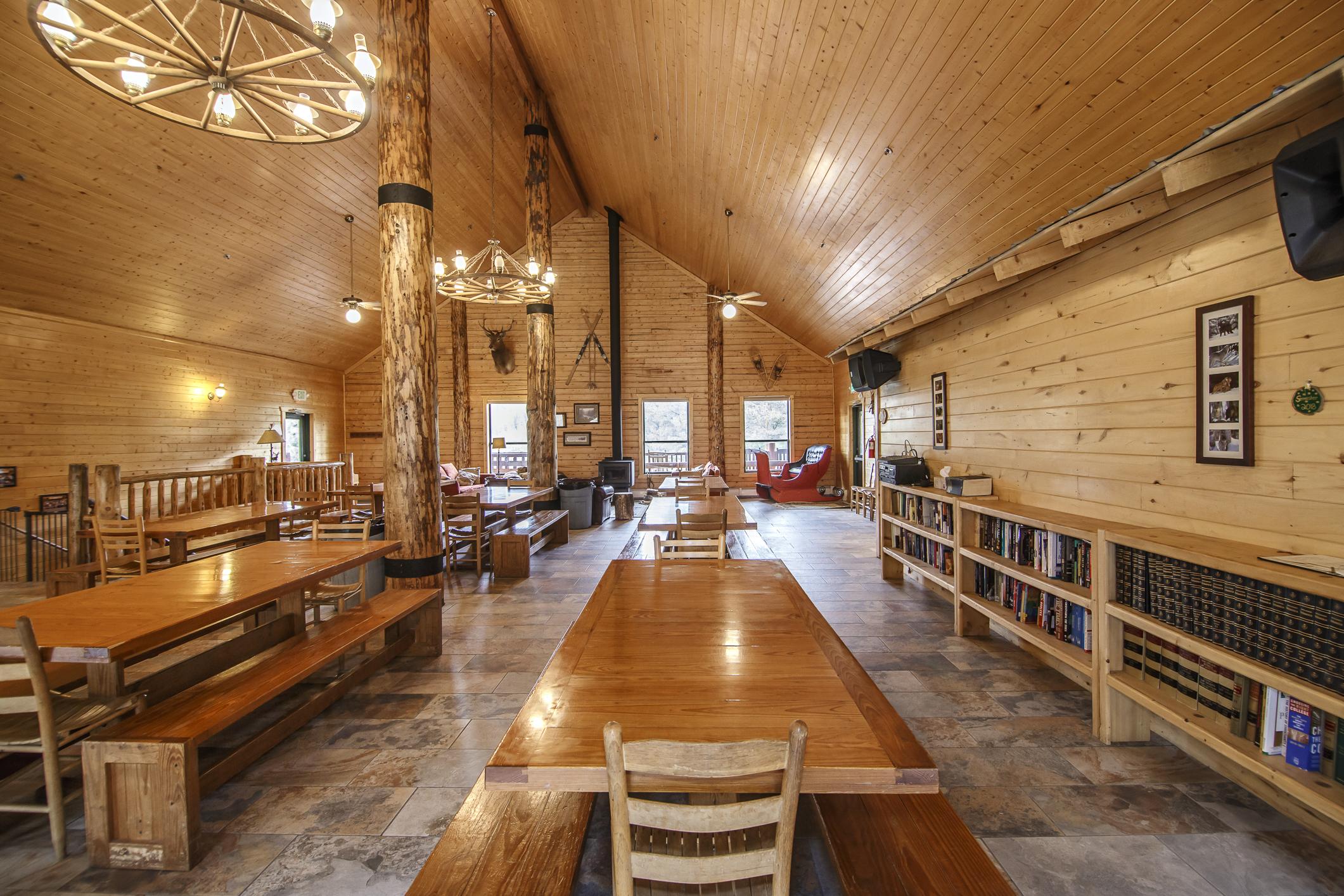 INT Main Lodge CREN--3.jpg