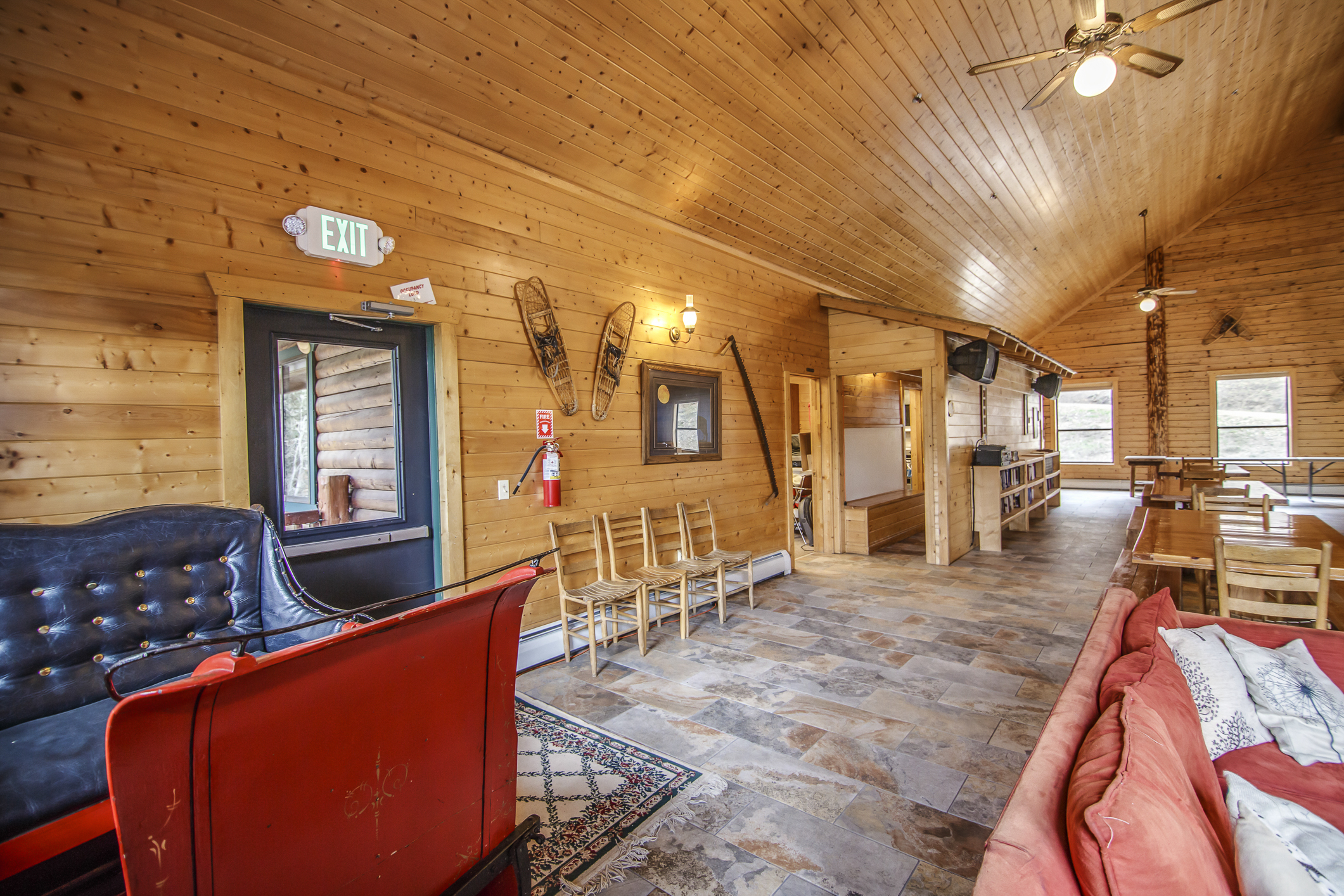 INT Main Lodge CREN--9.jpg