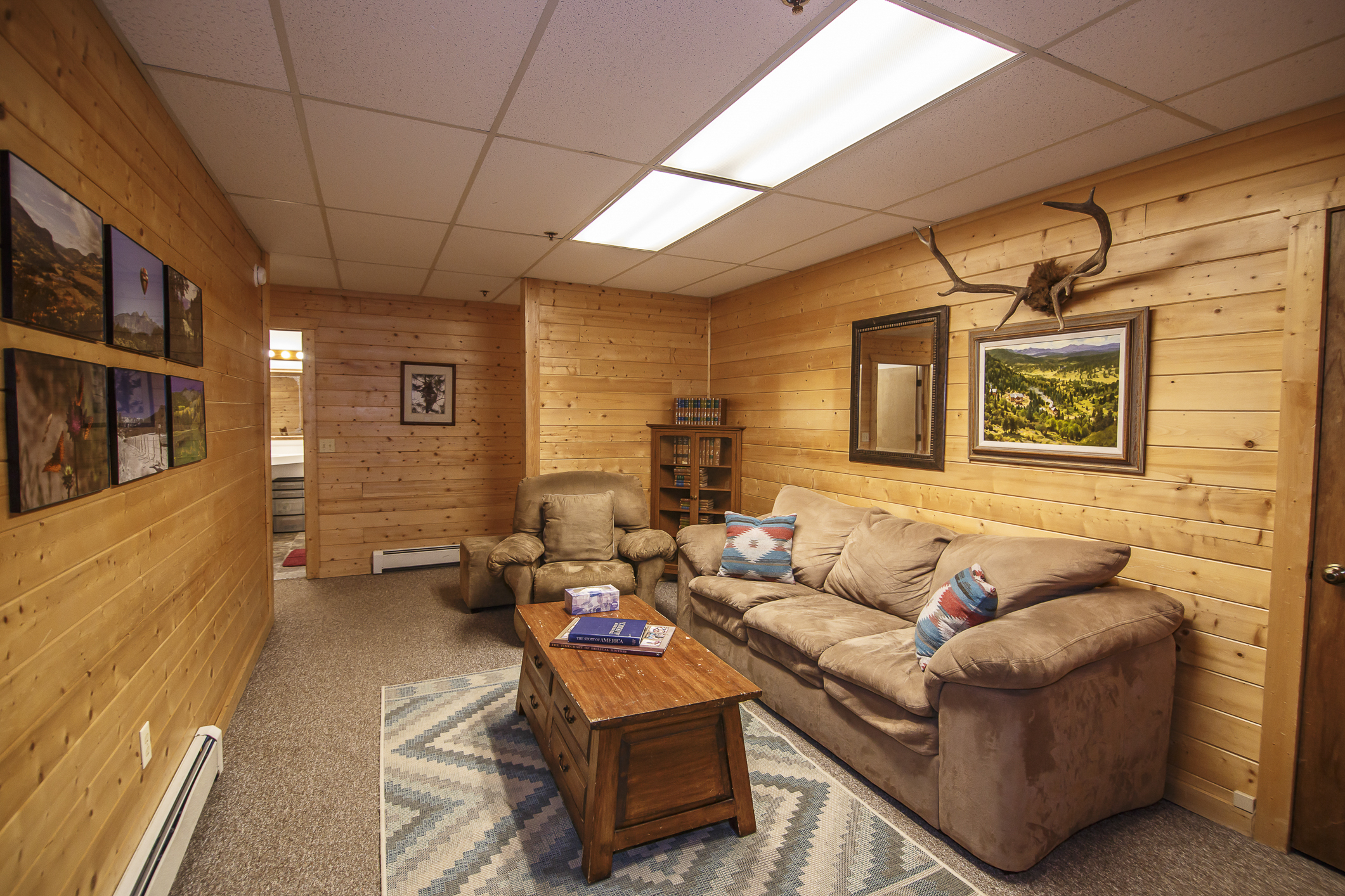 INT Main Lodge CREN--17.jpg