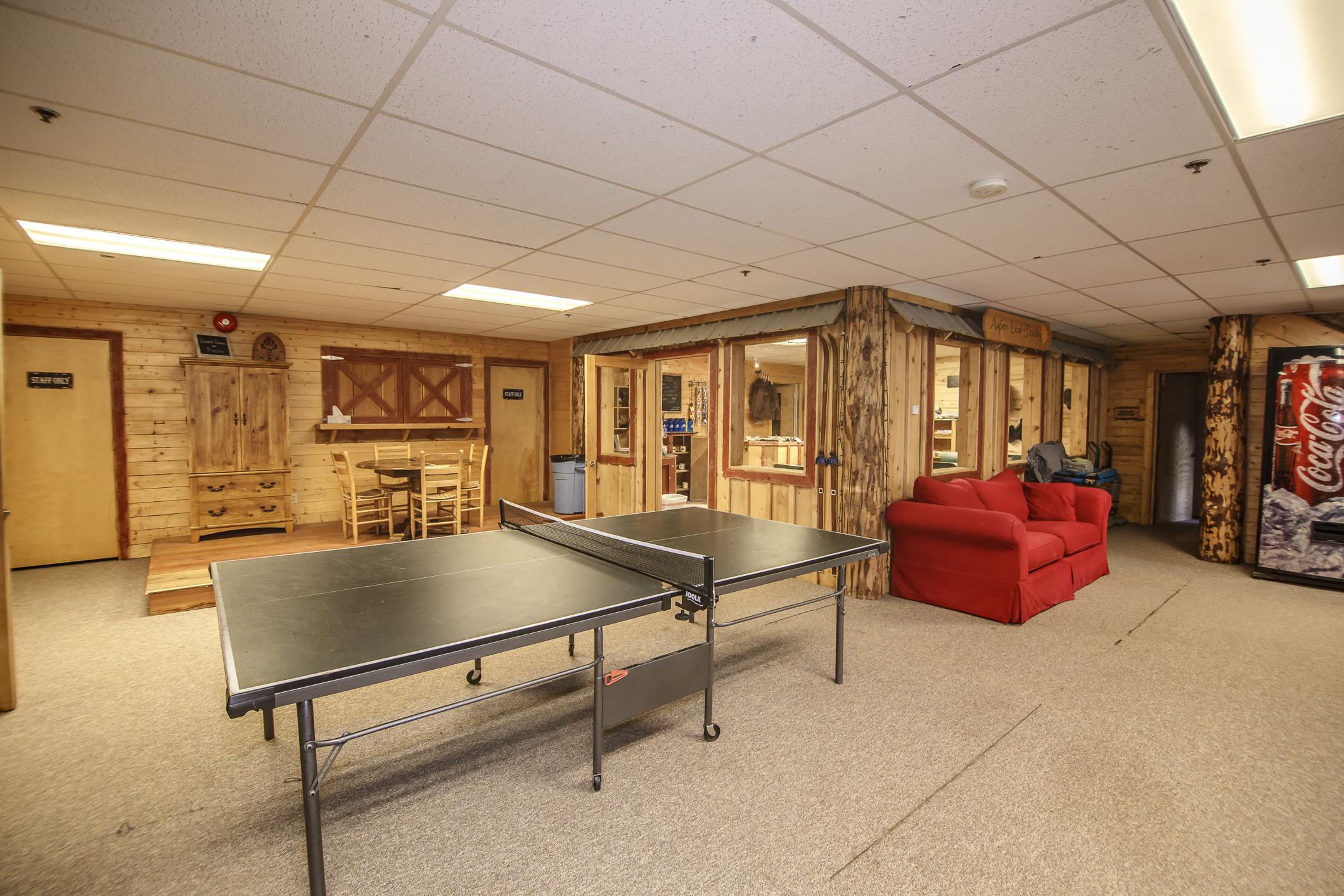 INT Main Lodge CREN--33.jpg