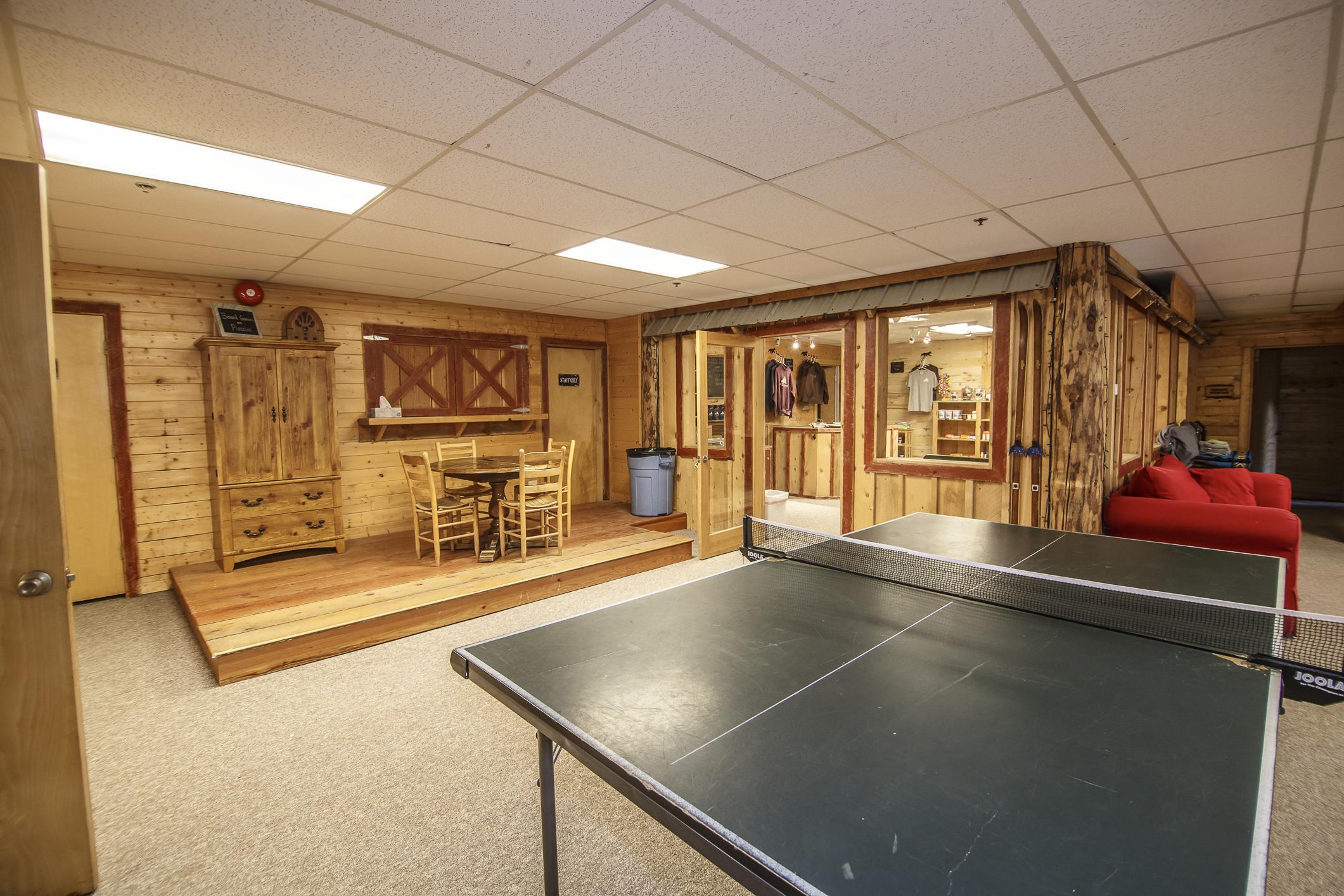 INT Main Lodge CREN--36.jpg
