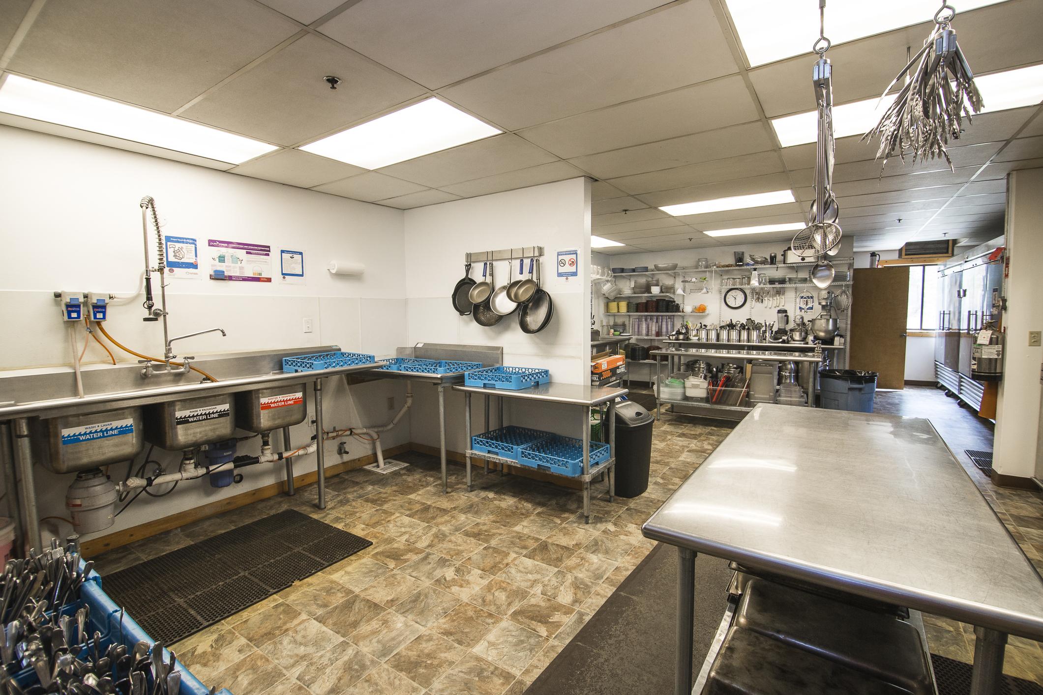INT MAIN Lodge Kitchen CREN--1.jpg