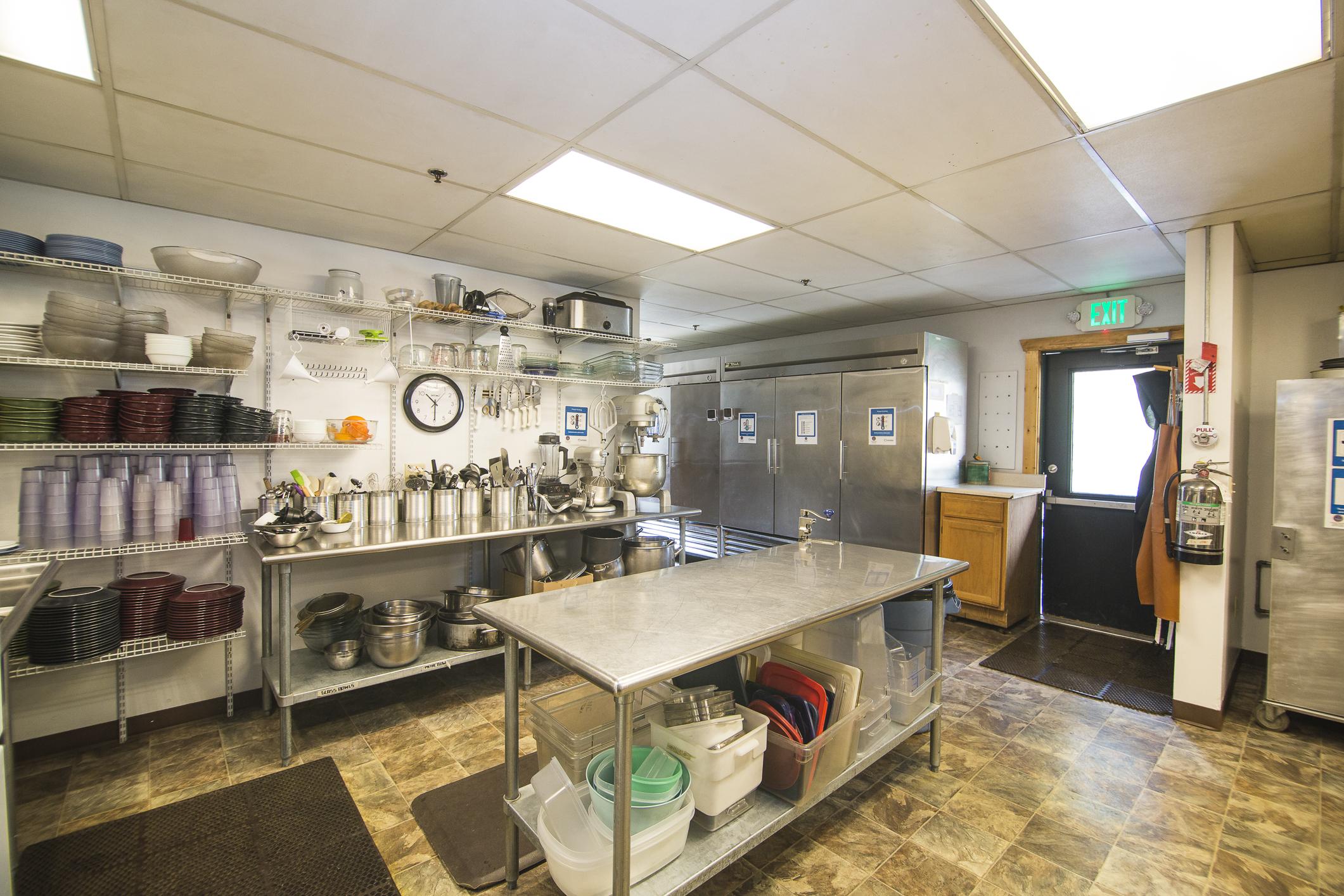 INT MAIN Lodge Kitchen CREN--5.jpg