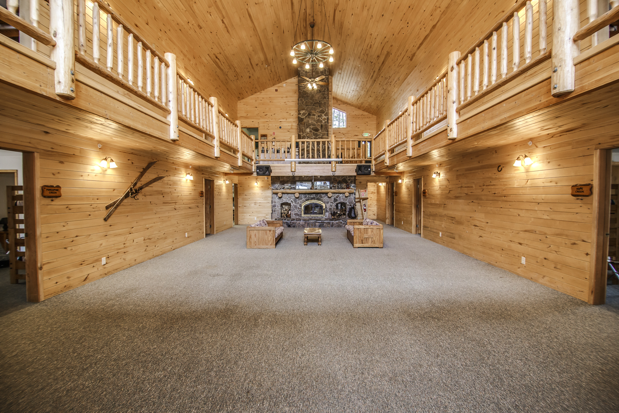 INT Echo Canyon Lodge CREN--1.jpg