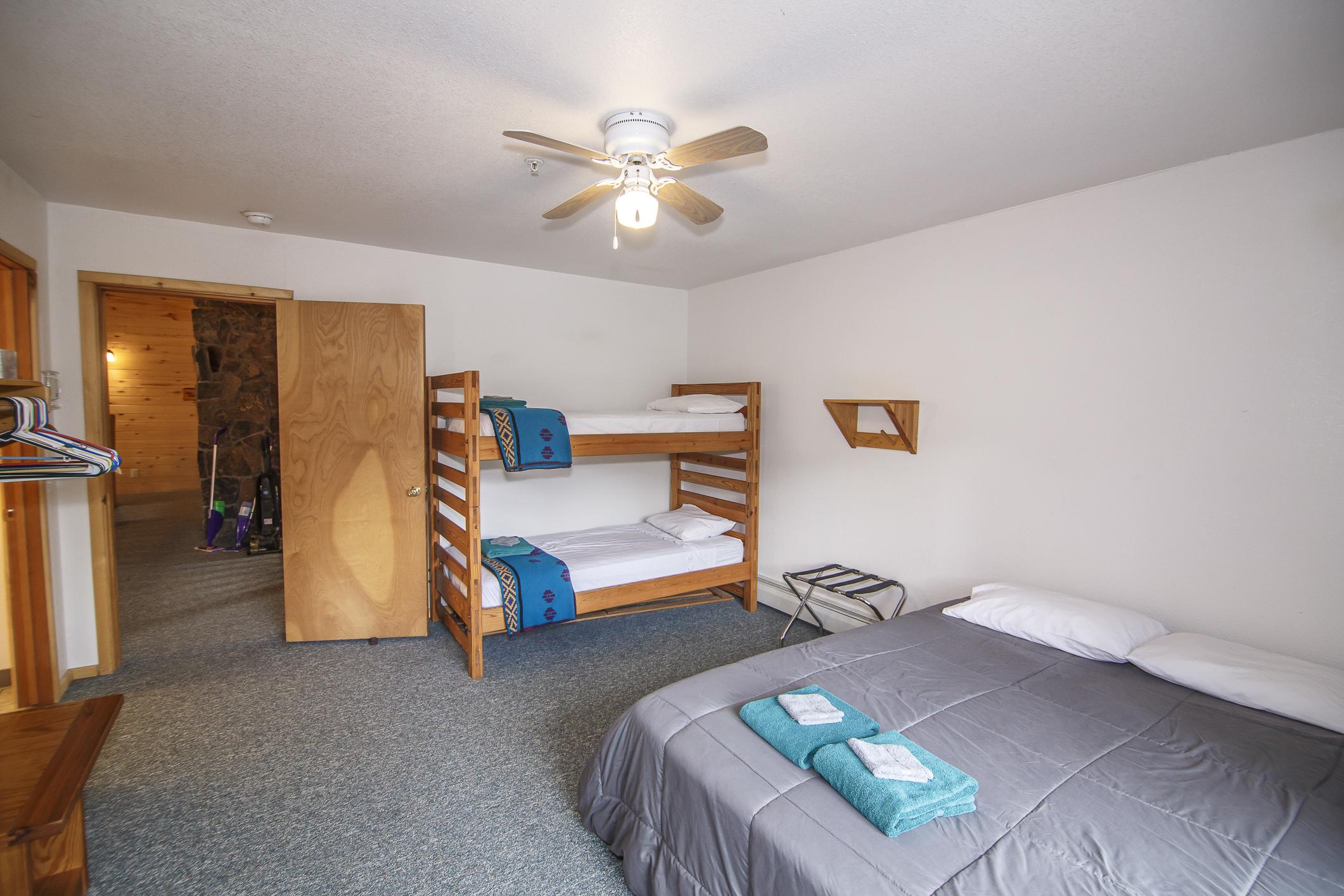 INT Echo Canyon Lodge CREN--20.jpg