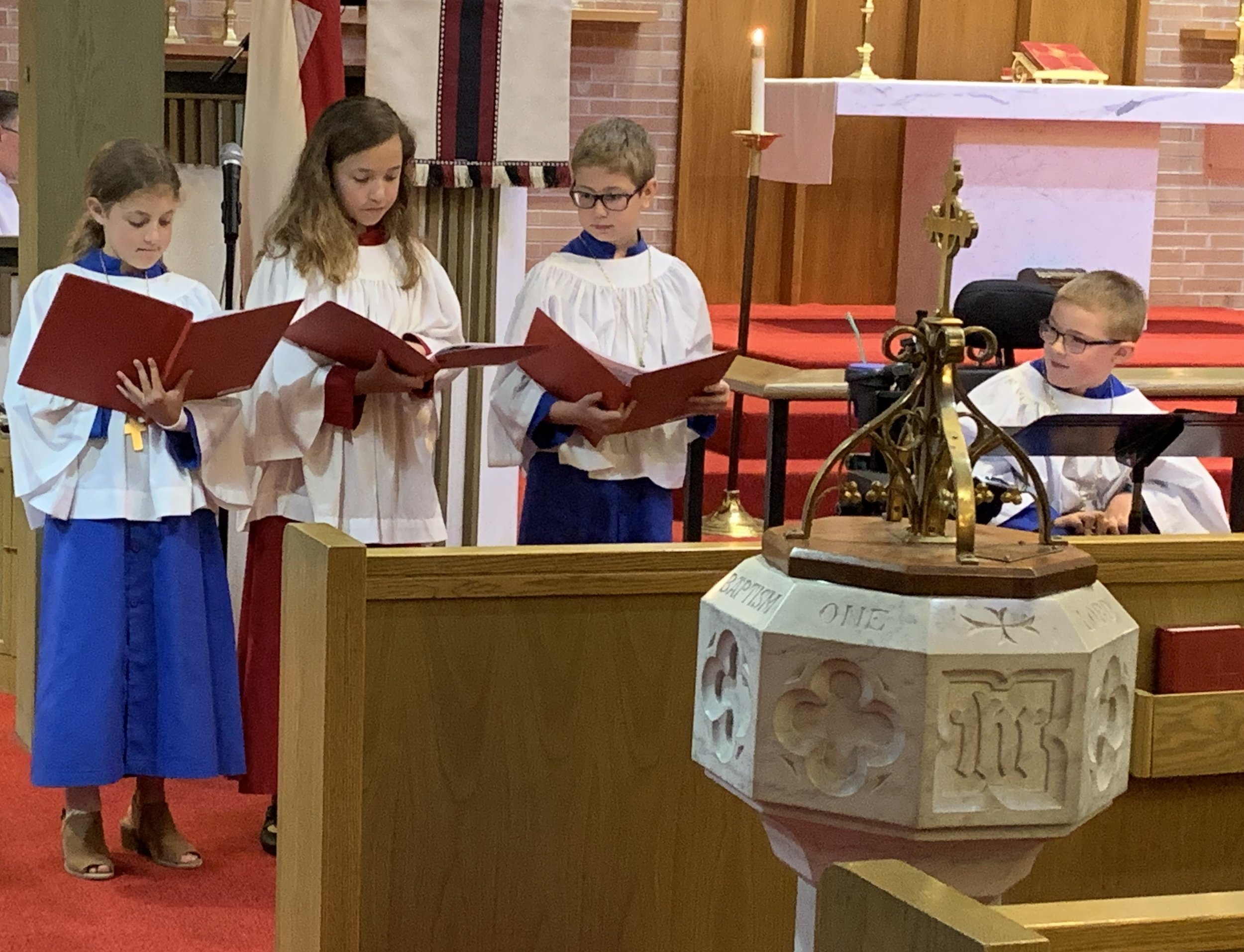 Junior Choir.jpg