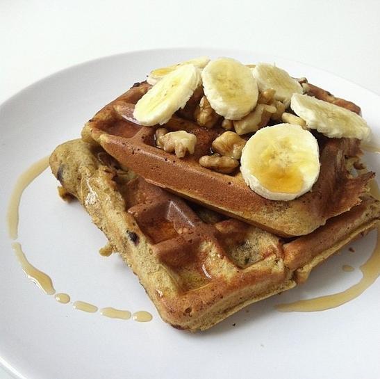 Waffles-With-Walnuts-Bananas