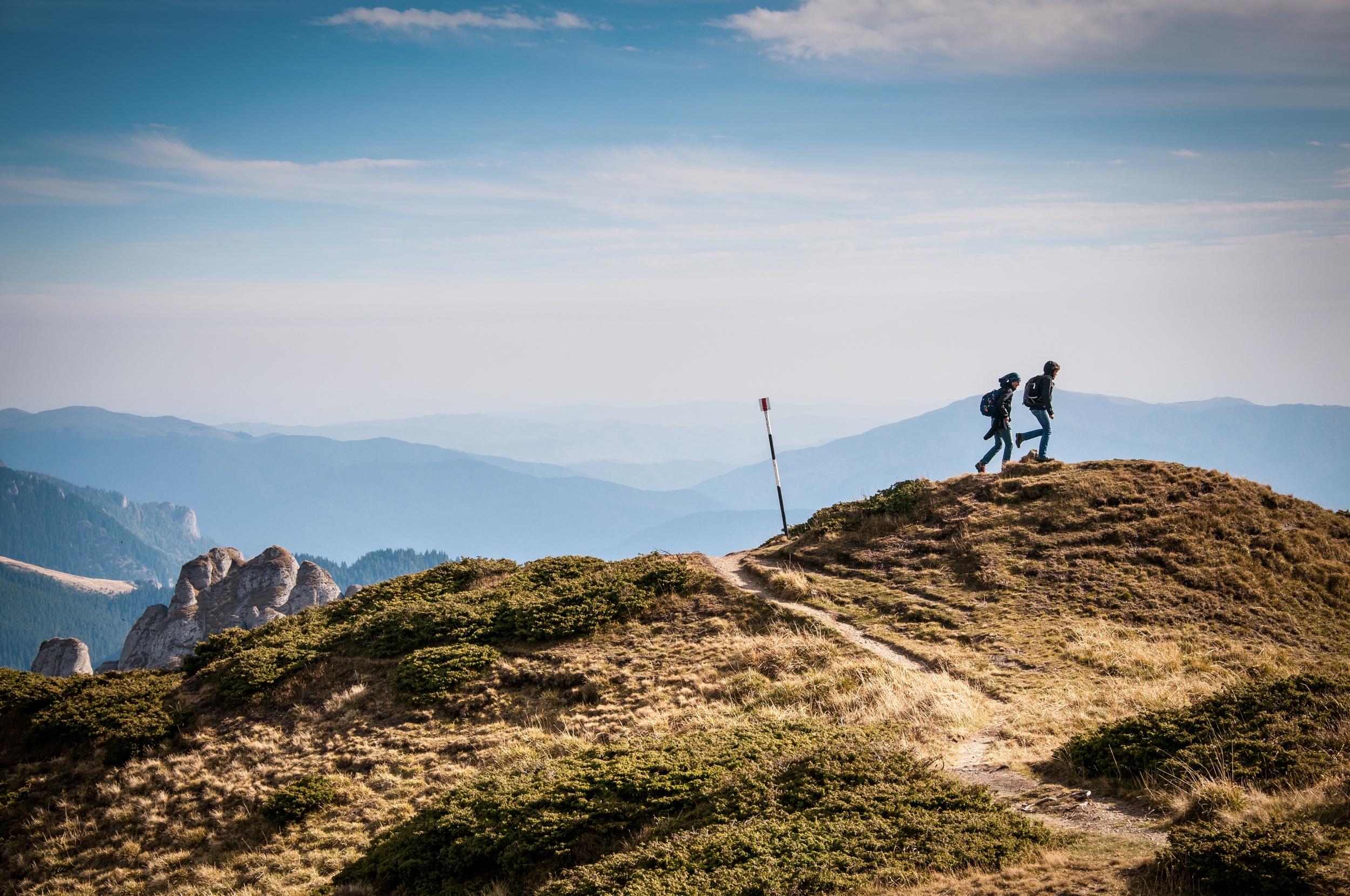 thrive-mountain-hike.jpg