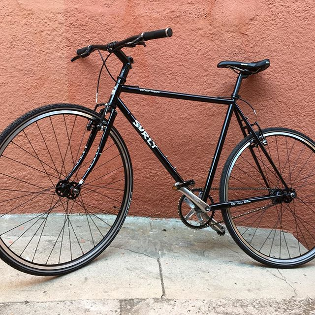 Dayum check out this gorgeous new bike I got myself! Kind of afraid to ride it, or park it, or touch it. 🔥👌#surlycrosscheck
