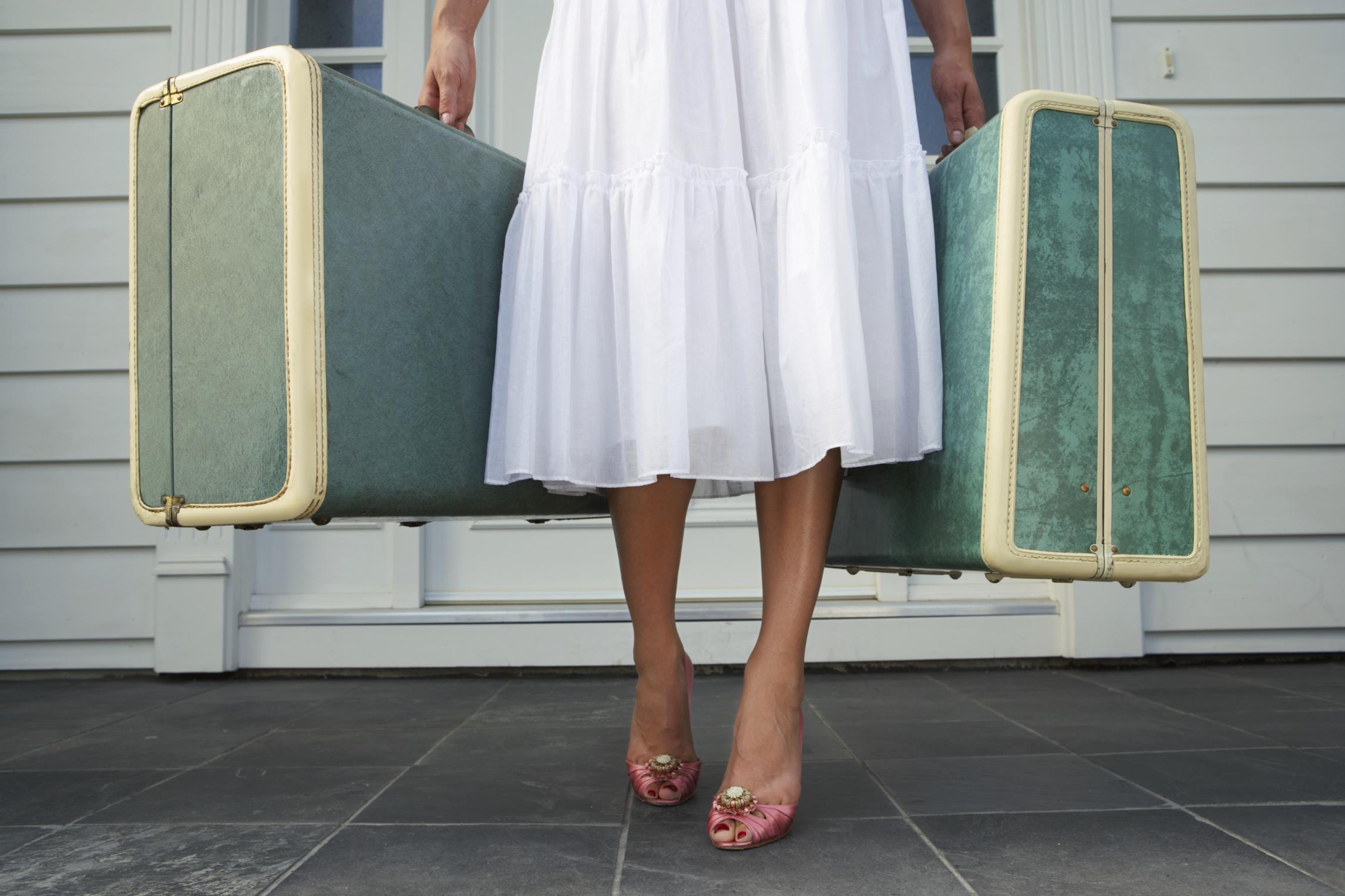 girl-with-luggage.jpg