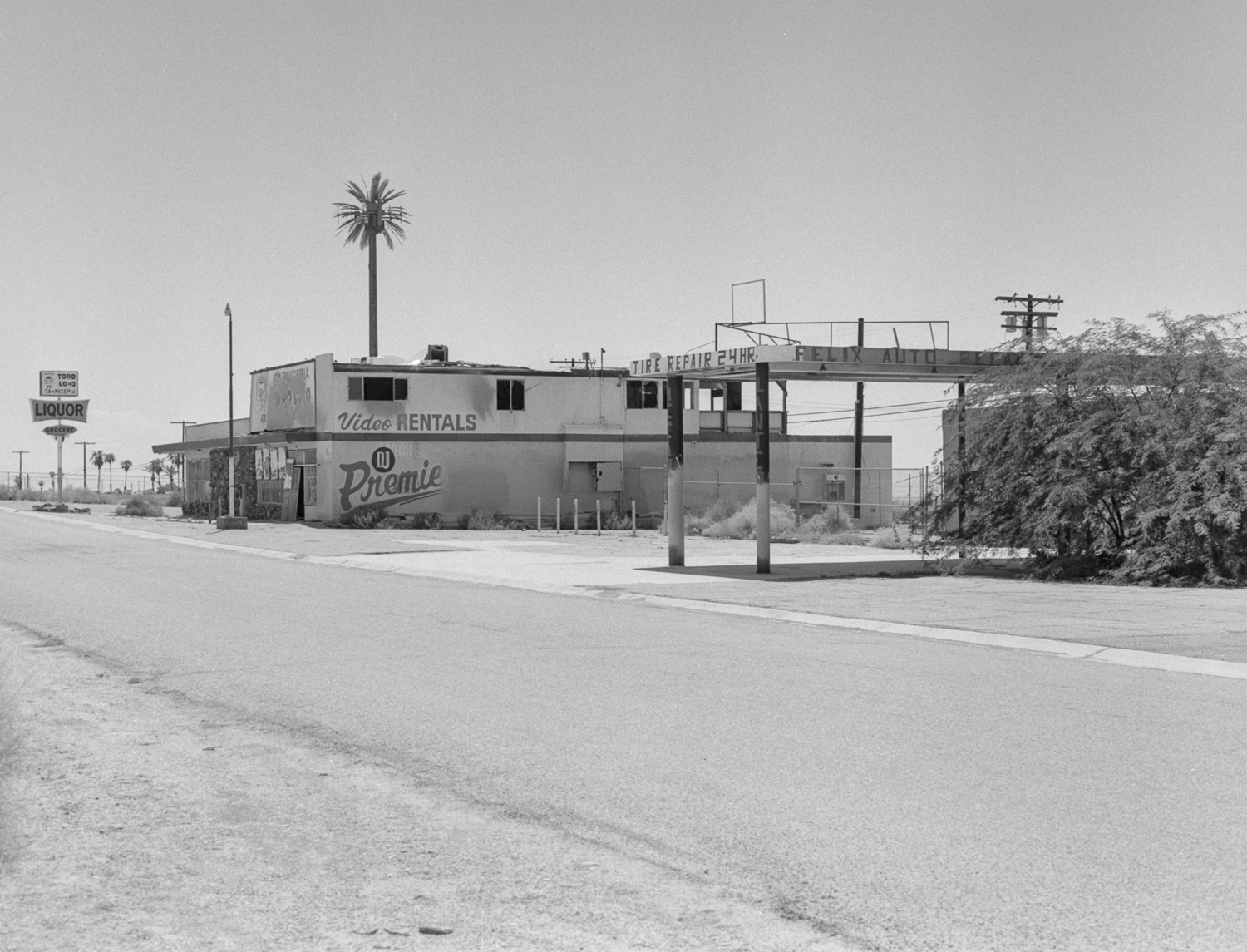 28 Aug 2016, Abandoned gas station and video store near Bombay Beach, Salton Sea, CA. Pentax 645, Tri-X 400, Developed (D76) and Scanned by me.