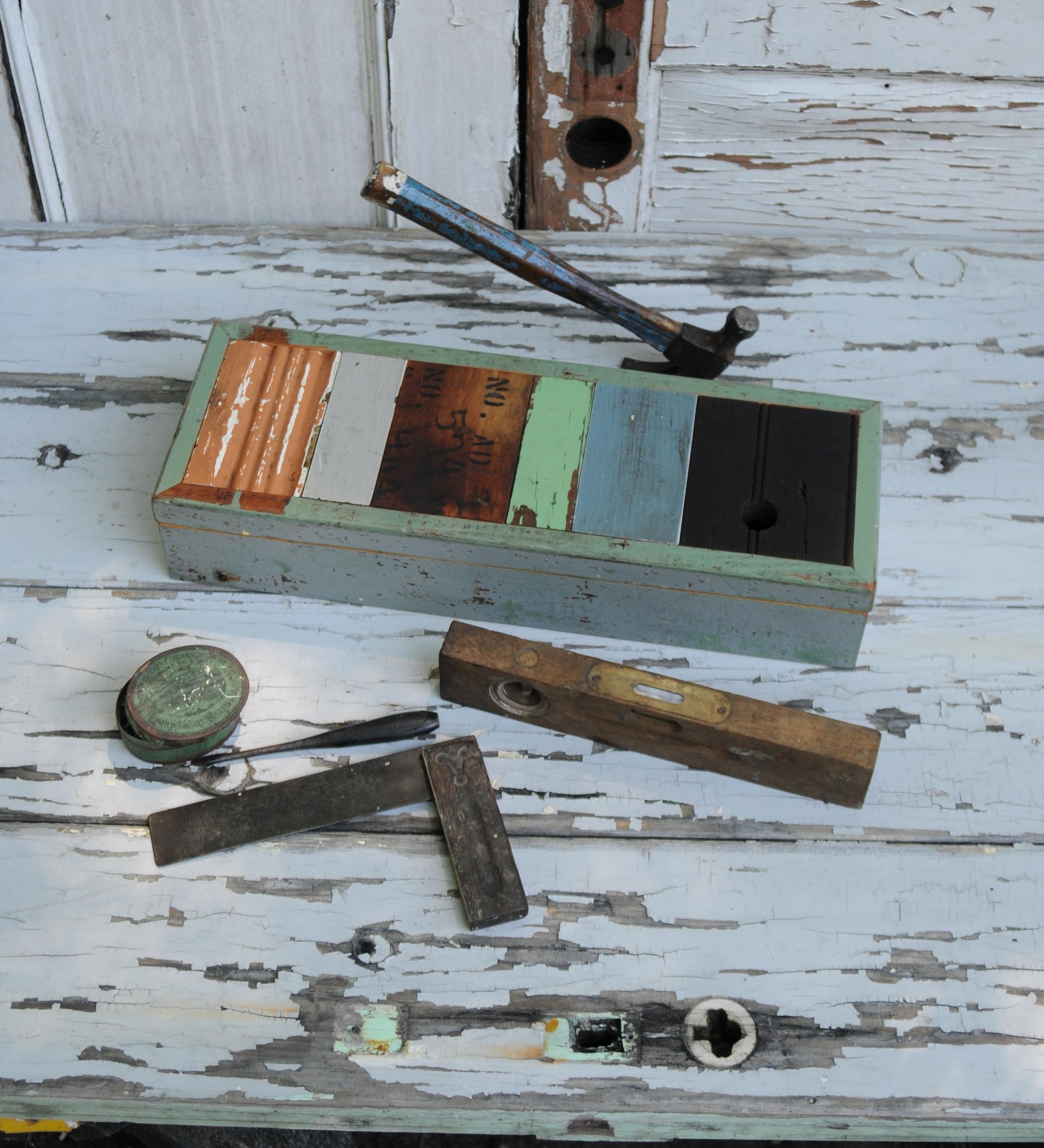 fingerliftbox.jpg