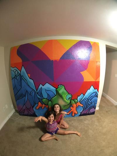 Pat-Milbery_Indoor-Mural_Frog_Installation_Family.jpg