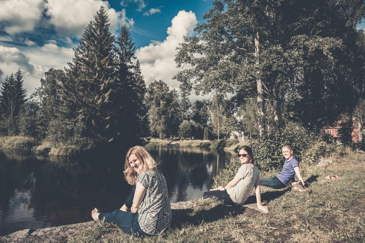 Chillin' by the river. (Anne, Elin, & Kjersti)