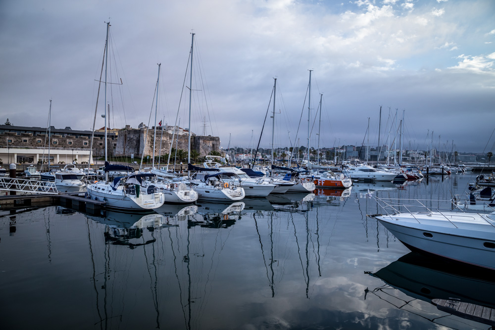 A pleasant, cool morning at Cascais Marina
