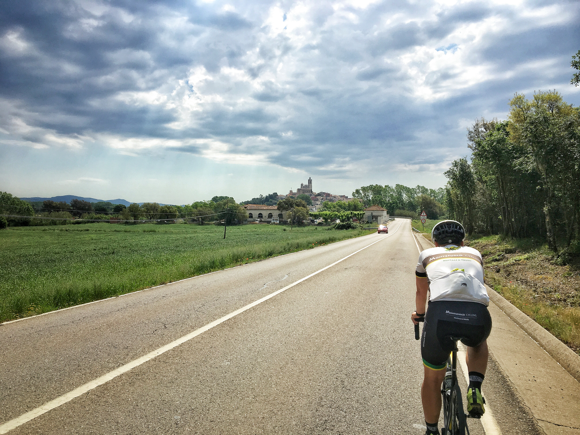 Riding towards the first village we passed through, Llagostera.