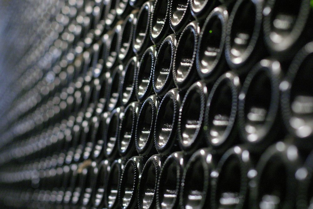 wine-cellar-3121221_1920.jpg