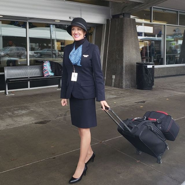 My last professional flight attendant walk in heels and polyester until December 10th ✈️. I happily visited my family and my boy 🐶 on our Spokane layover!  I'm off to Barcelona Saturday for 3 weeks of Spanish language school 🇪🇸 thankfully I can live the jet setter life because of my great day job💺#newlife #priorities #flyaway