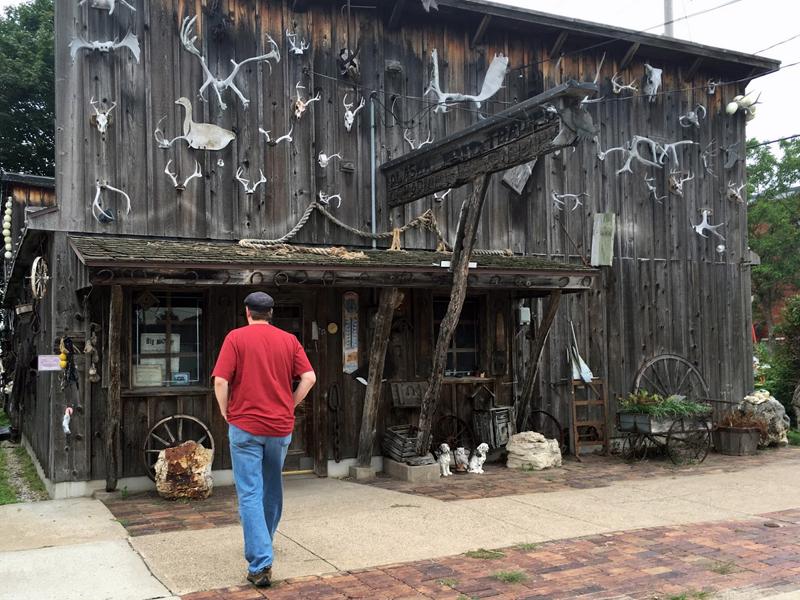 Some Weird Shop at Prairie du Chien