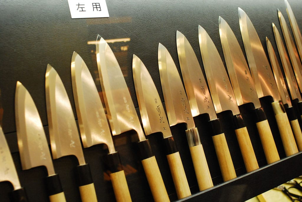 Japanese handles where the steel blade holds all the weight.