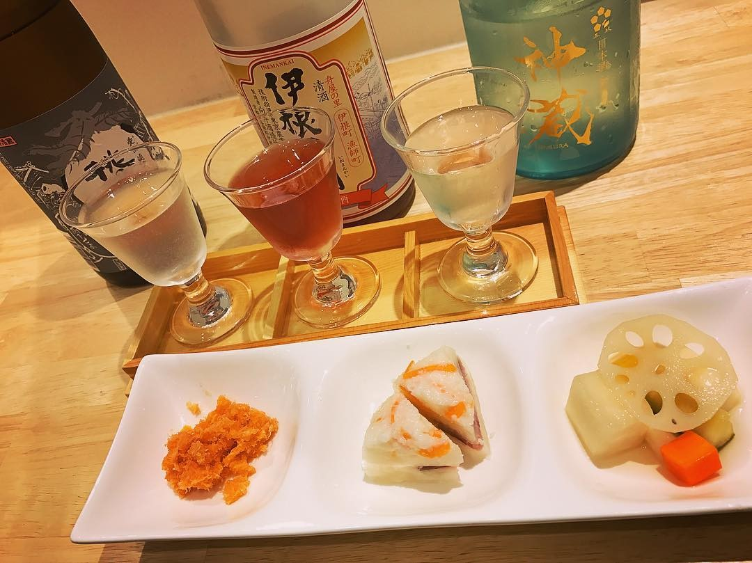 sake tasting kyoto.jpg