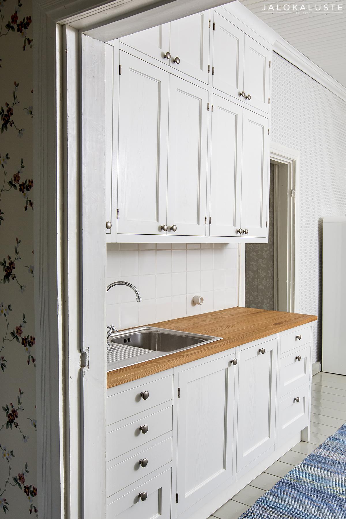 Vanhanajan keittiö Aino III 1_JALOKALUSTE.FI.jpg