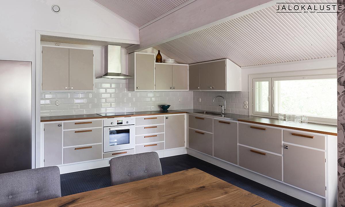 50-luvun keittiö Elina1_JALOKALUSTE.FI.jpg