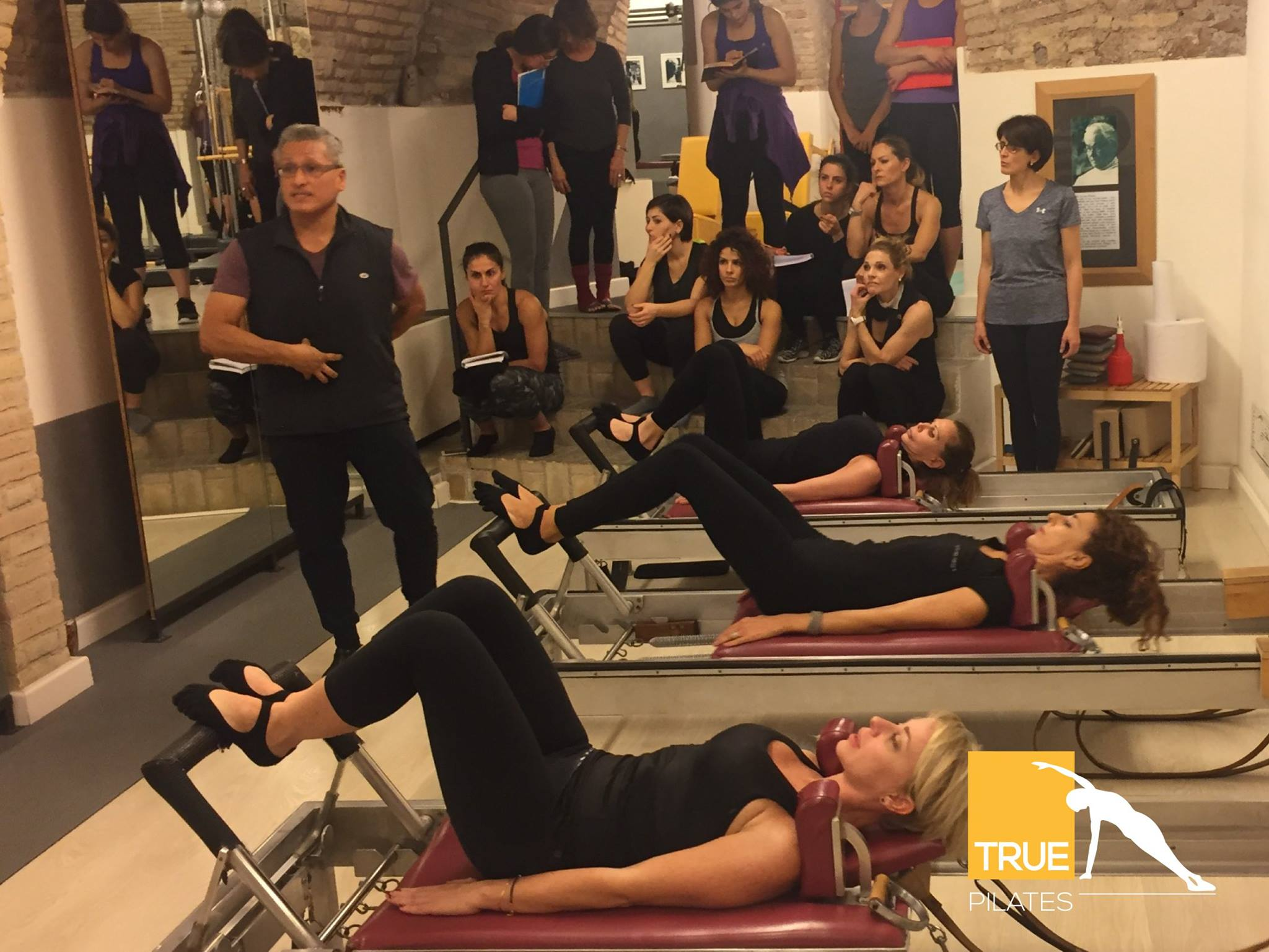 4-worshop-pilates-con-moses-urbano-working-with-different-body-types.jpg