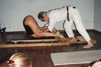 12-Il-primo-studio-di-Pilates.jpg