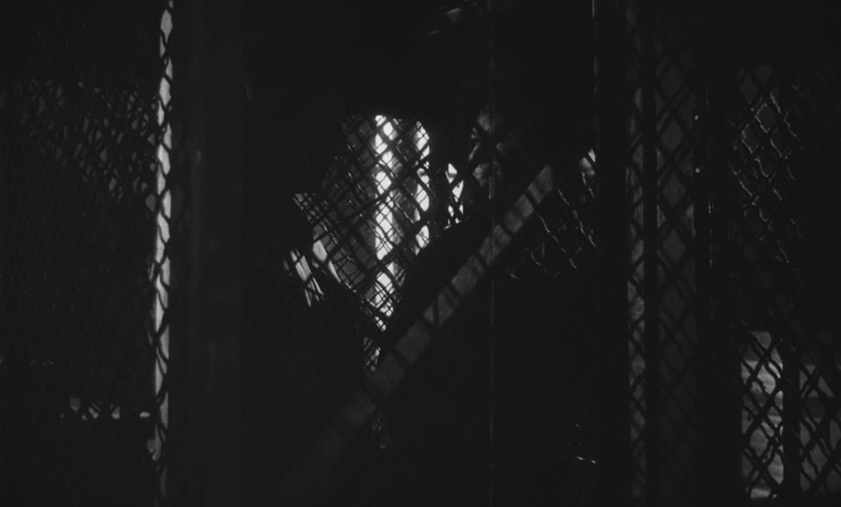Le monte-charge - 1962 - Marcel Bluwal.mkv_snapshot_00.19.37_[2018.03.18_23.14.10].jpg