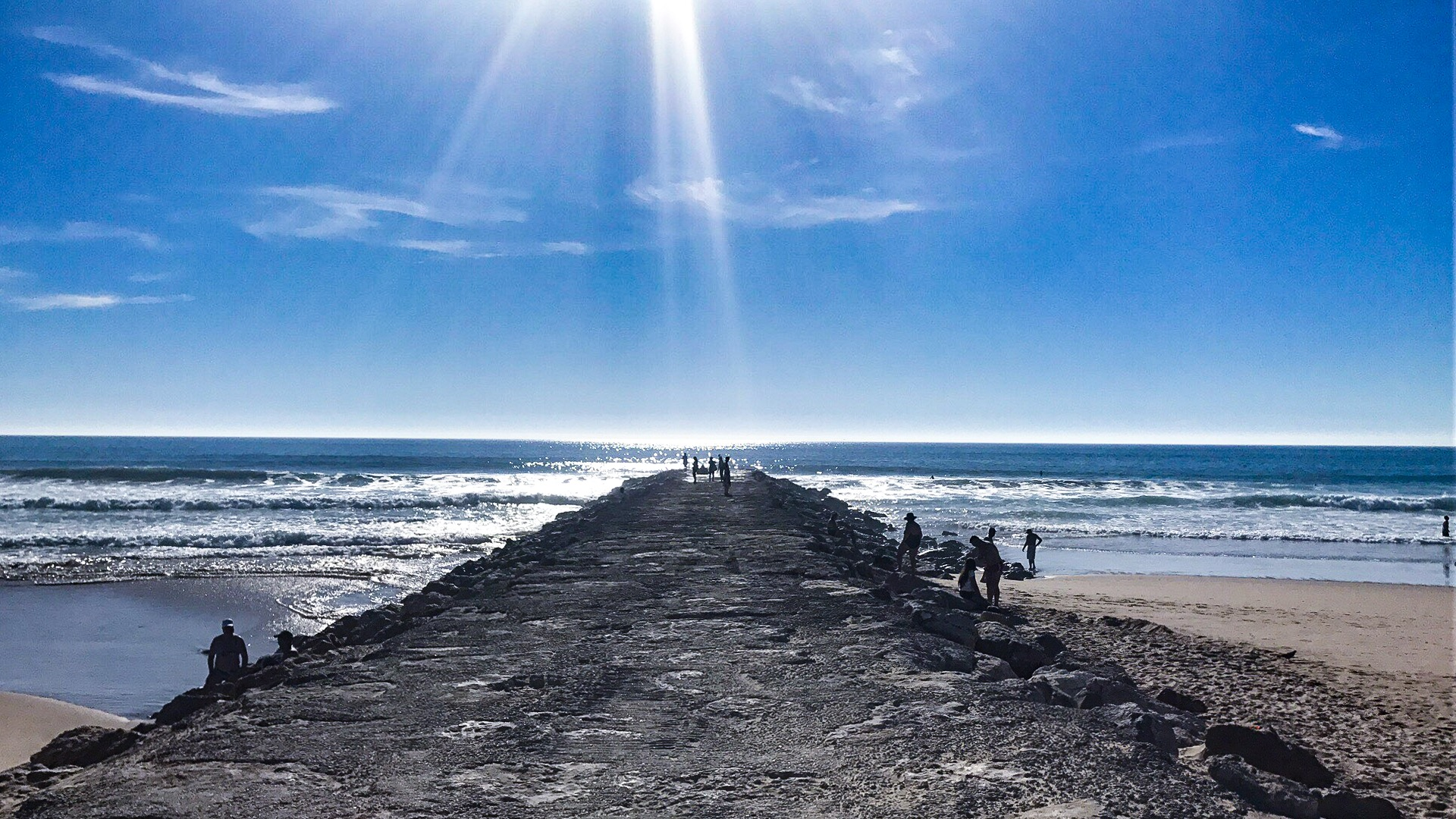 The famous path into the ocean in Caparica
