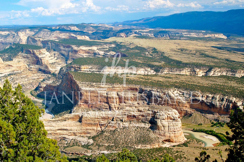 Dinosaur-National-Monument-overlook-DSC_0066.jpg