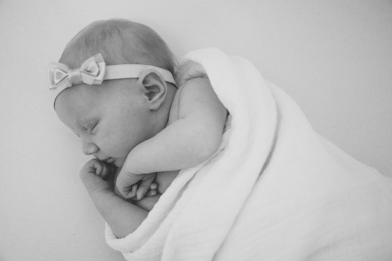 Michigan-Newborn-Photographer-Light-Garden-Photography-4.jpg