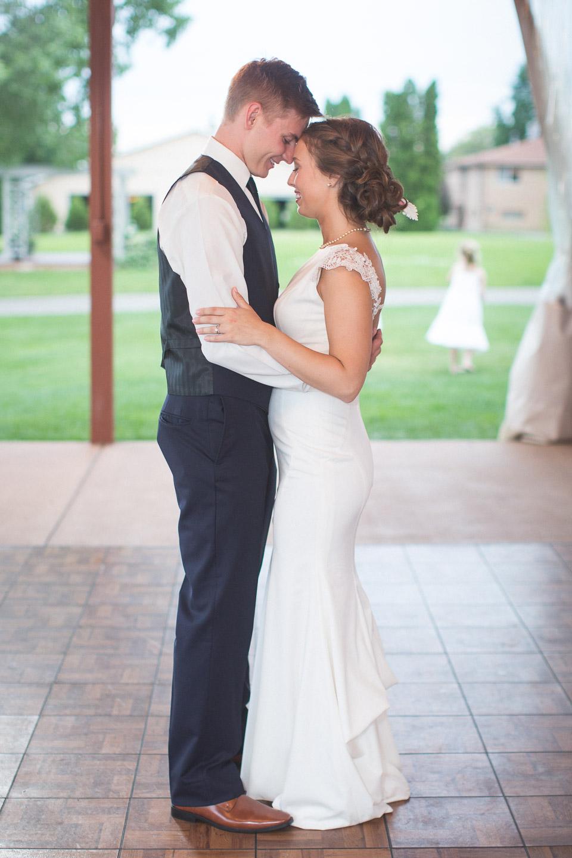 Michigan-Wedding-Photographer-Light-Garden-Photography-84.jpg
