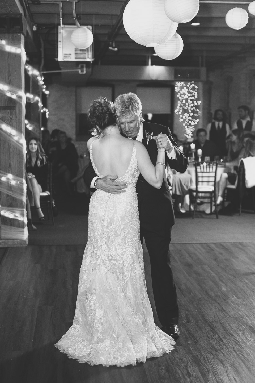 Michigan-Wedding-Photographer-Light-Garden-Photography-135.jpg