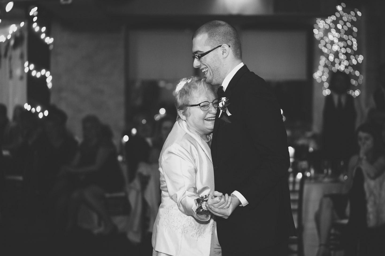 Michigan-Wedding-Photographer-Light-Garden-Photography-139.jpg