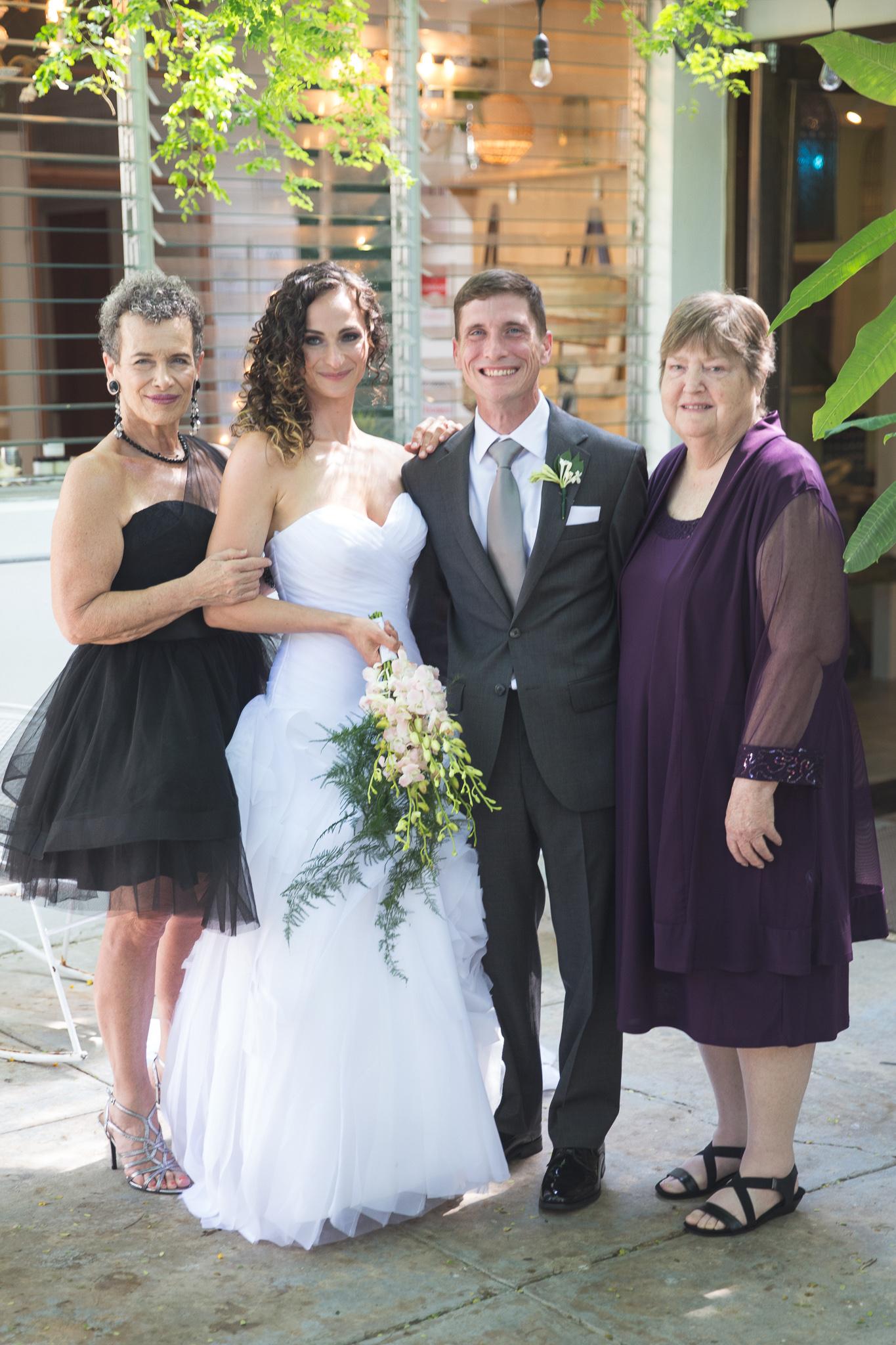 049-best-detroit-michigan-outdoor-destination-wedding-photographer.jpg