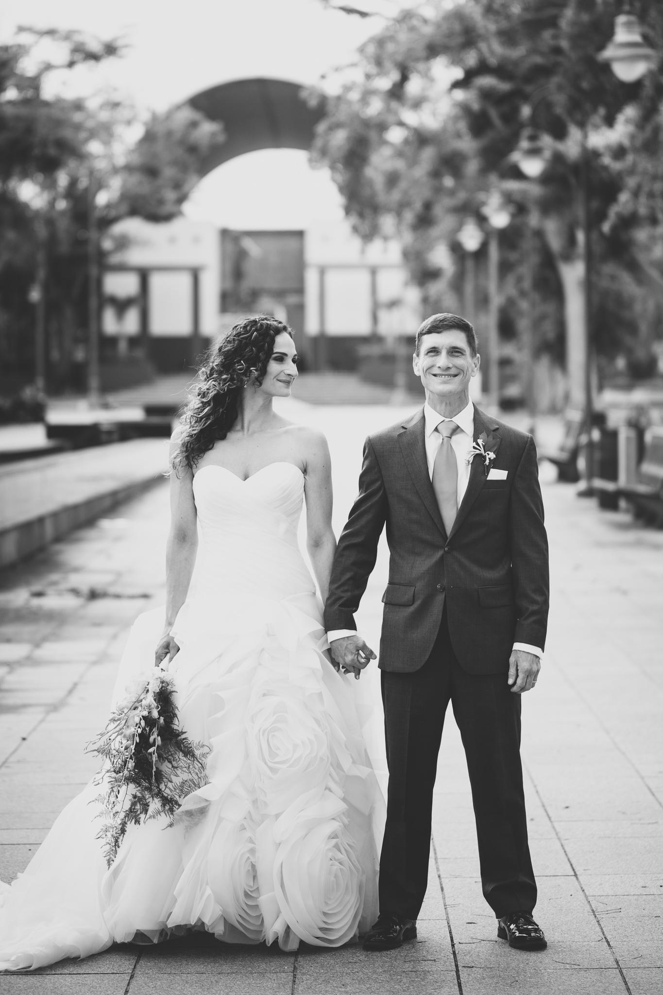 050-best-detroit-michigan-outdoor-destination-wedding-photographer.jpg