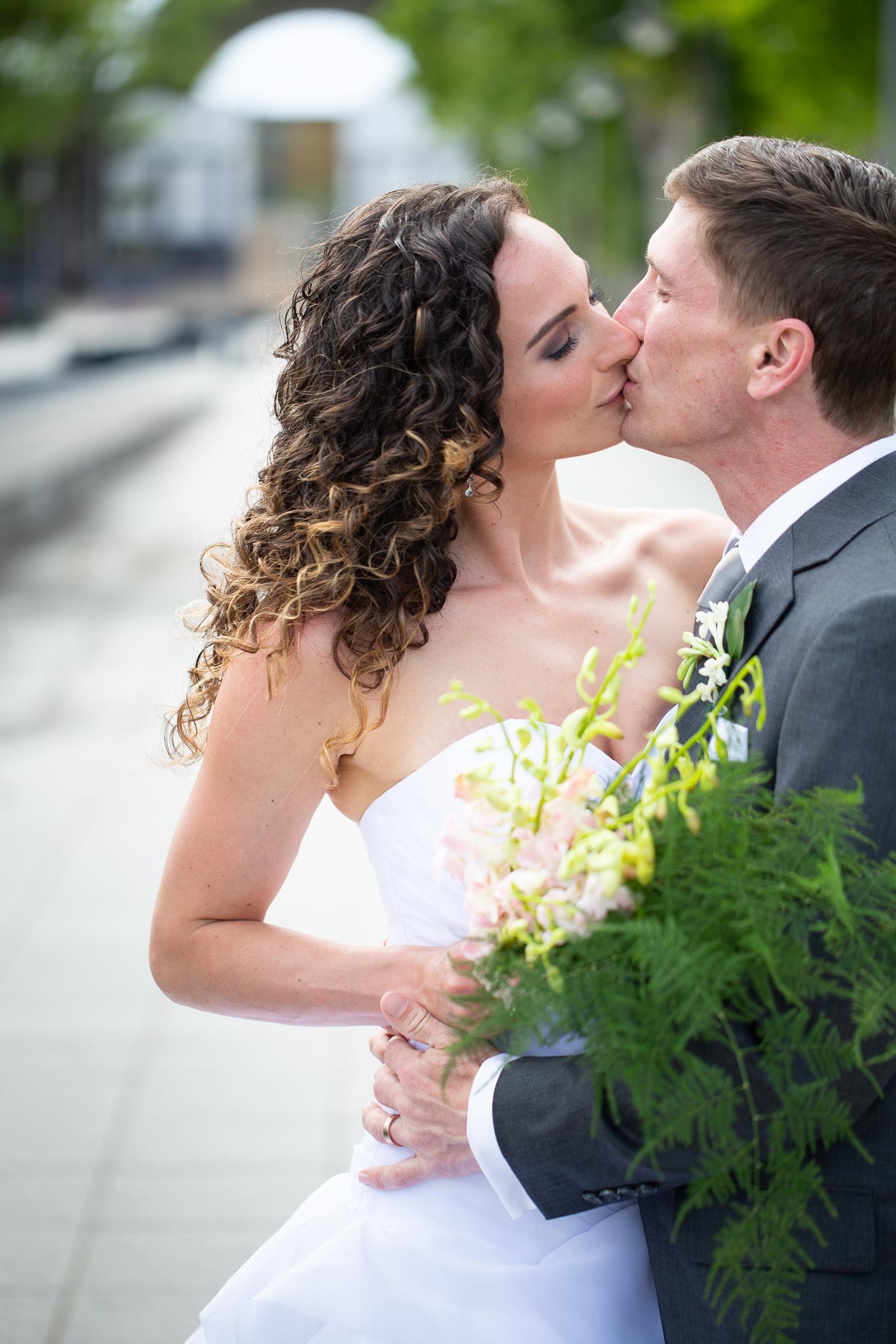 052-best-detroit-michigan-outdoor-destination-wedding-photographer.jpg
