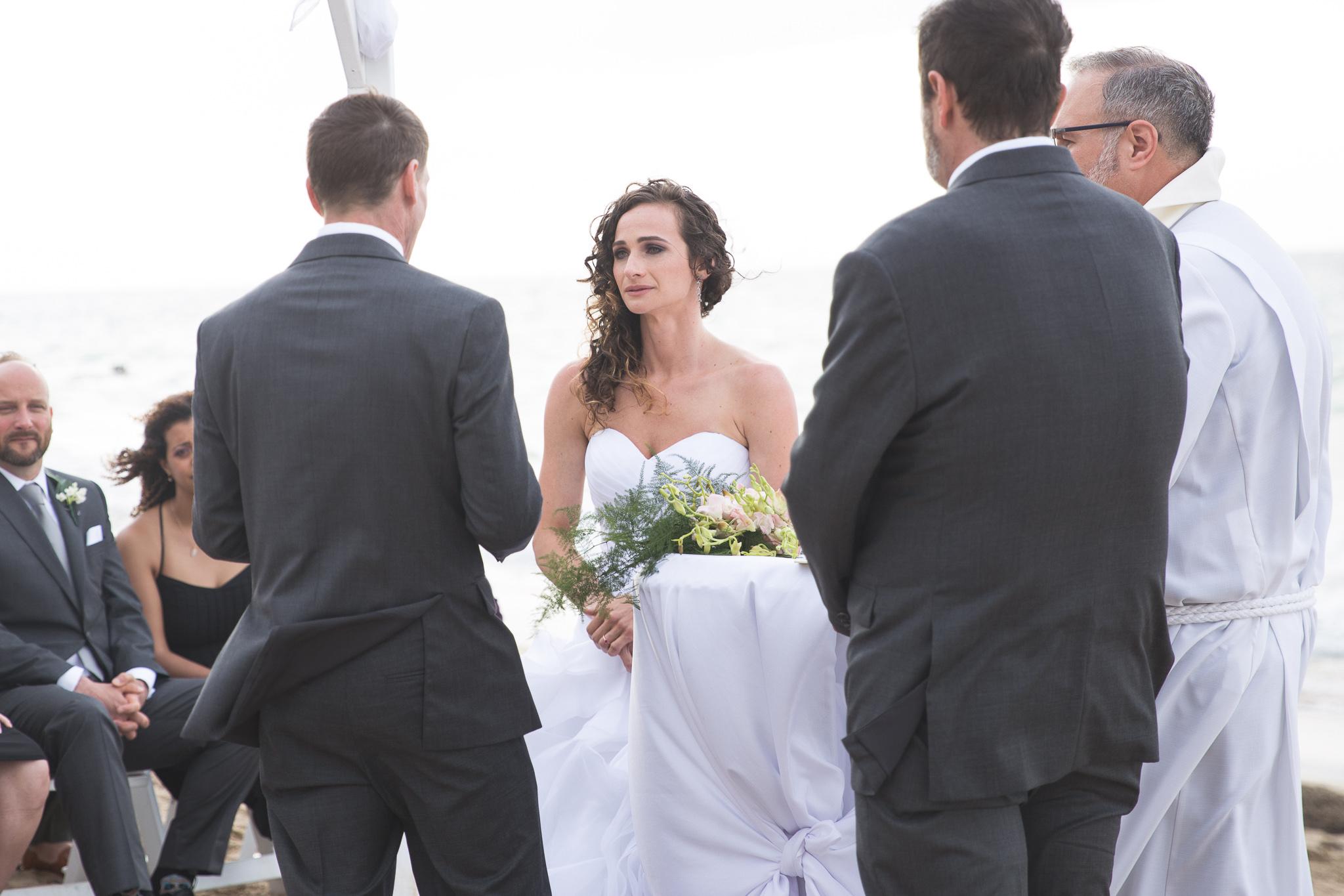 073-best-detroit-michigan-outdoor-destination-wedding-photographer.jpg