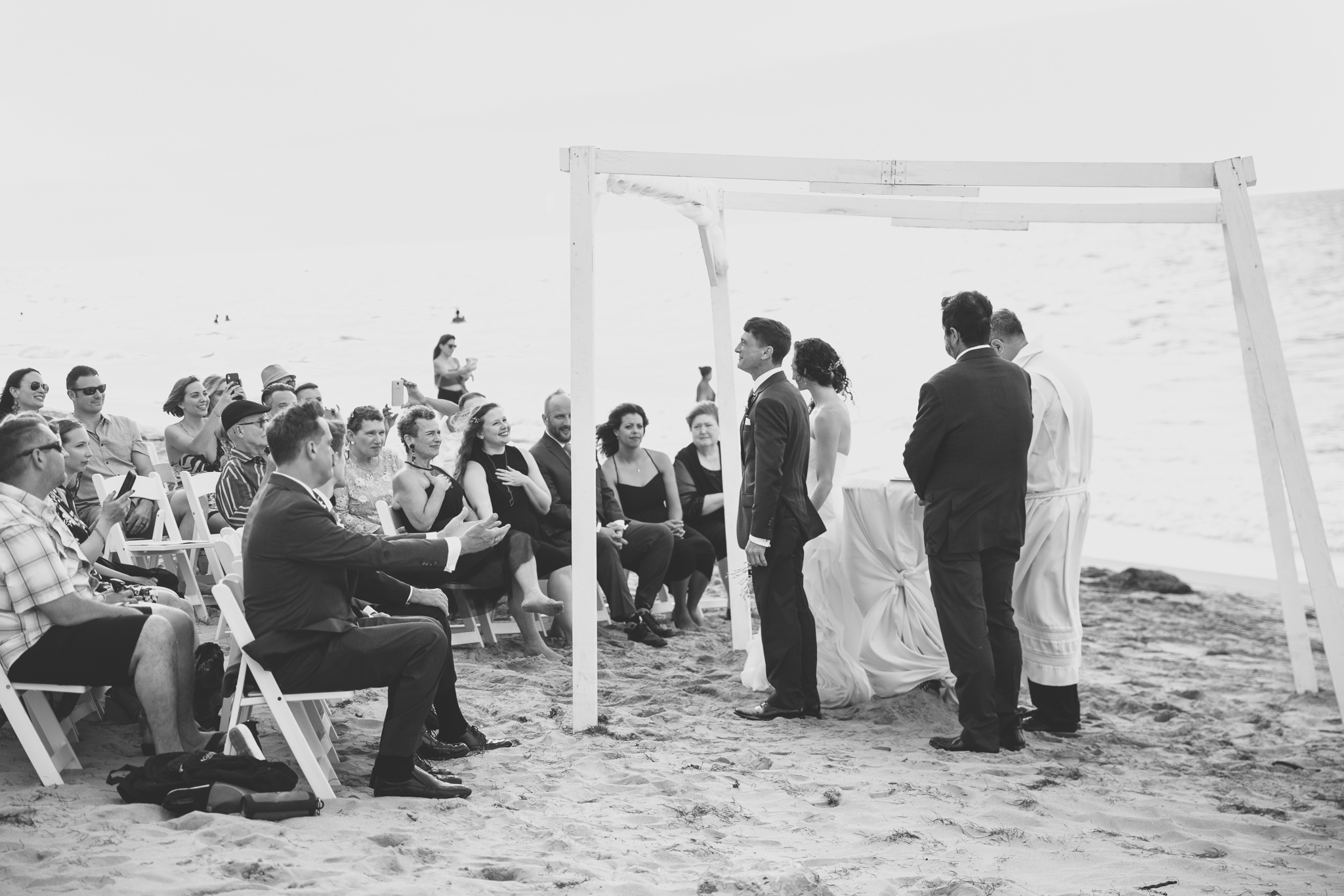 074-best-detroit-michigan-outdoor-destination-wedding-photographer.jpg