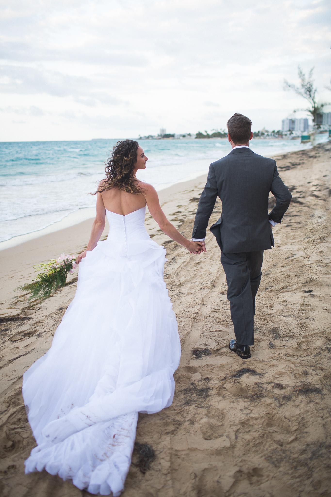 092-best-detroit-michigan-outdoor-destination-wedding-photographer.jpg
