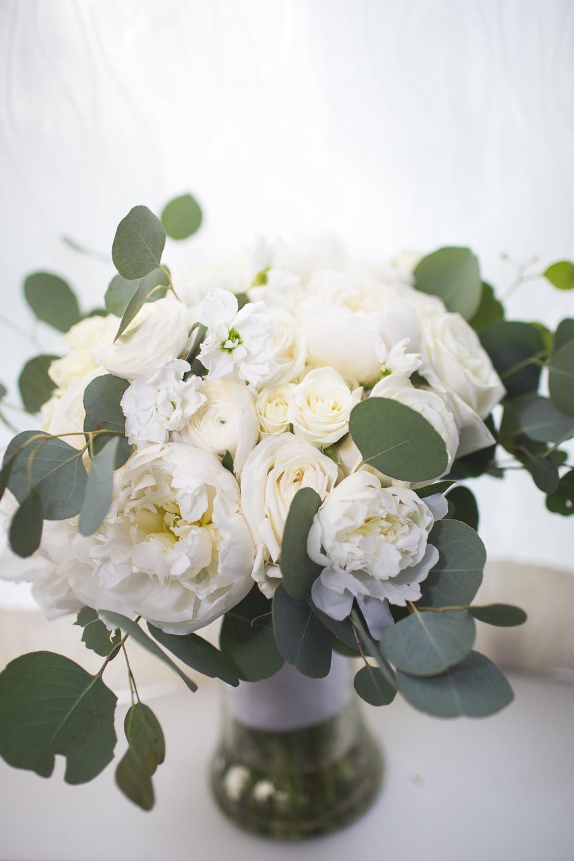 005-best-detroit-michigan-outdoor-spring-wedding-photographer.jpg