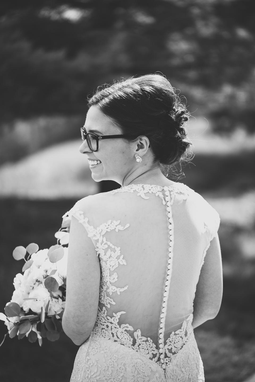 040-best-detroit-michigan-outdoor-spring-wedding-photographer.jpg