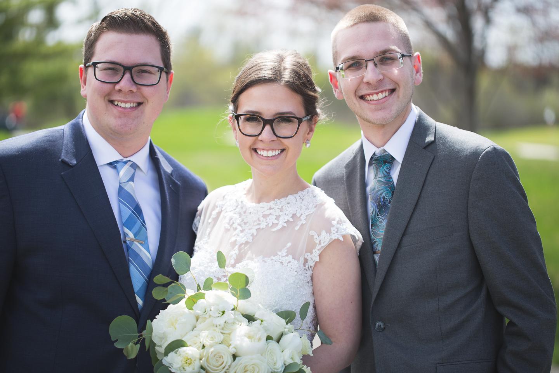 051-best-detroit-michigan-outdoor-spring-wedding-photographer.jpg