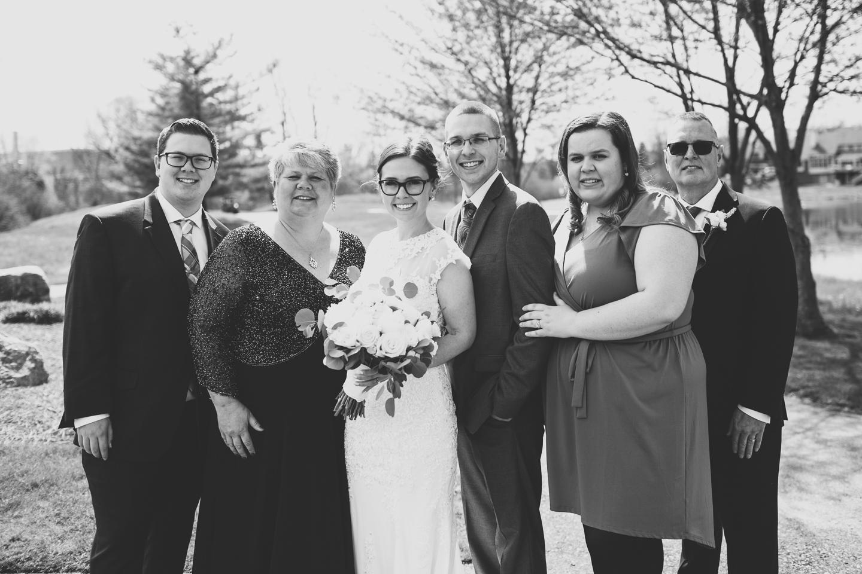 054-best-detroit-michigan-outdoor-spring-wedding-photographer.jpg