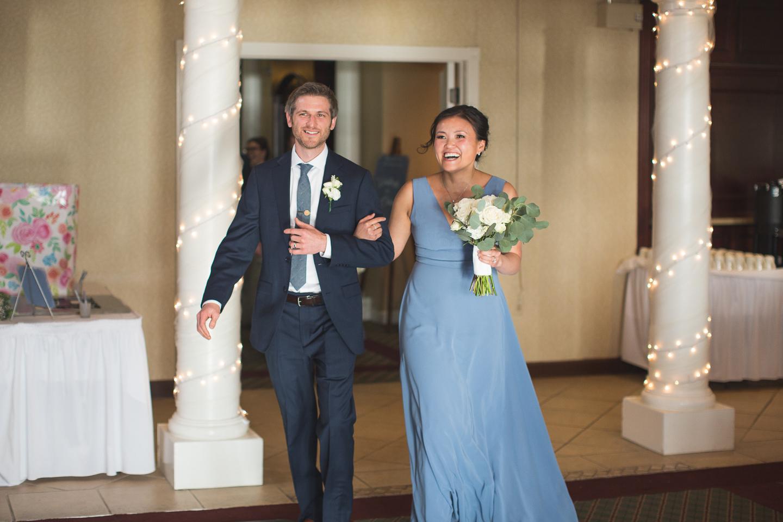 074-best-detroit-michigan-outdoor-spring-wedding-photographer.jpg