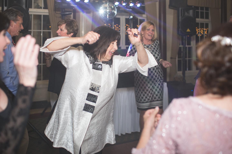 095-best-detroit-michigan-outdoor-spring-wedding-photographer.jpg