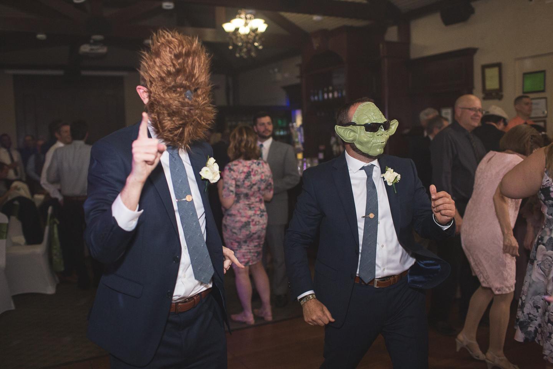 098-best-detroit-michigan-outdoor-spring-wedding-photographer.jpg