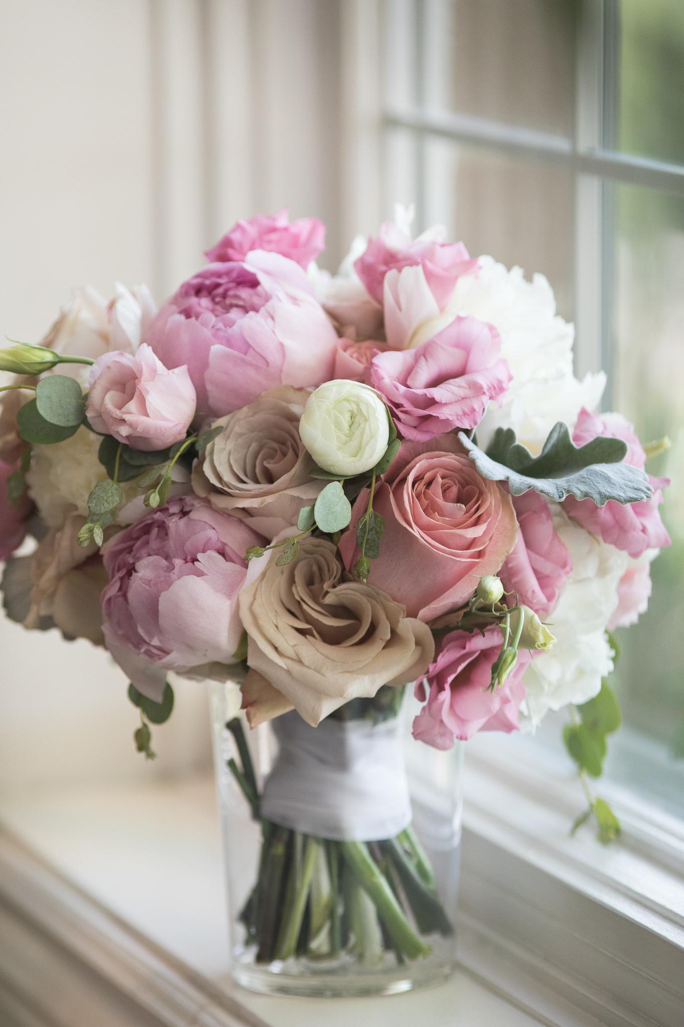 006-best-detroit-michigan-outdoor-wedding-photographer.jpg